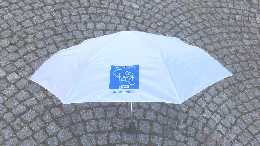 Wir verlosen zehn Regenschirme mit unserem Logo. - (Quelle: RSC)
