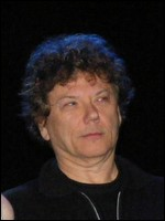 Jerry Harrison - © Ron Baker (2010), en.wikipedia.org