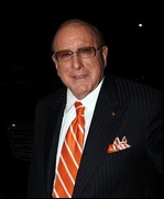 Clive Davis - © Christopher Peterson, en.wikipedia.org (2007)