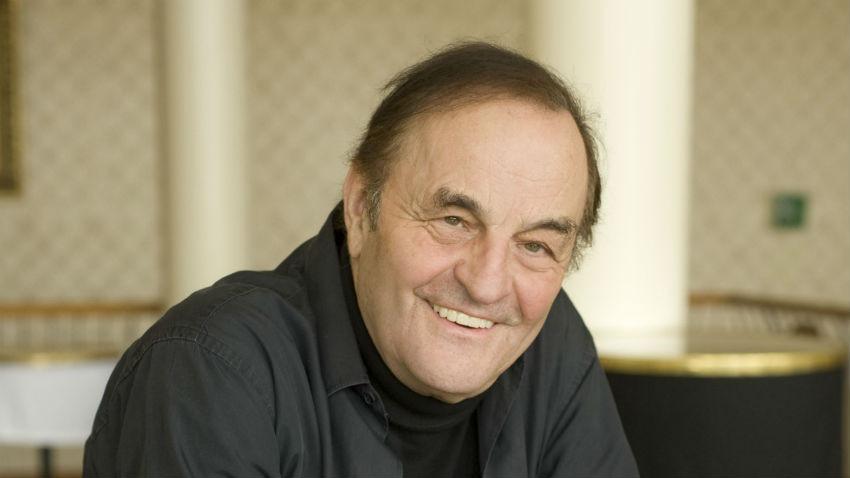 Charles Dutoit ist bekannt für die Aufführung von Chorwerken mit dem Tonhalle-Orchester und der Zürcher Sing-Akademie. (Quelle: Priska Ketterer) - 3899_4_850x478